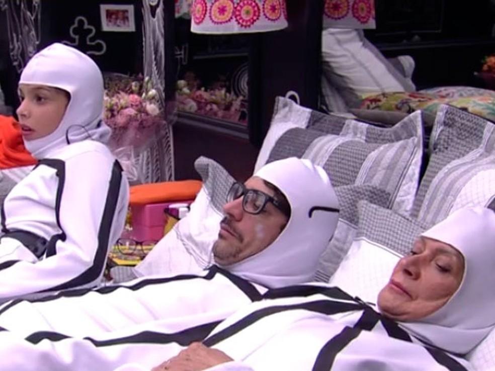 A roupa do Castigo do Monstro deu treta entre Ilmar e Emilly (Foto: TV Globo)