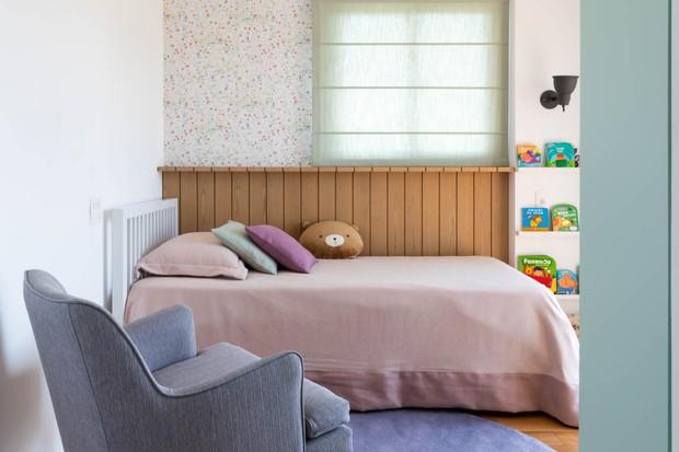 Luz, conforto e integração: apê moderninho para uma jovem família   (Foto: FOTOS RENATO NAVARRO)