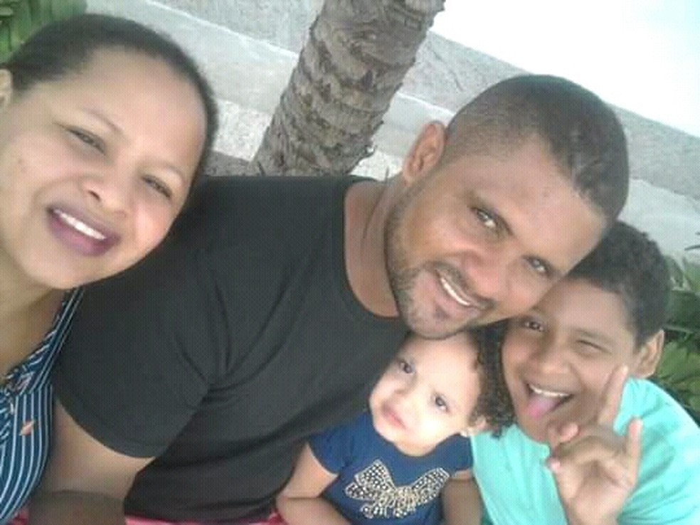 Da esquerda para a direita: Maria Nazaré (mãe)/ Hiltonberto (pai); Isabele (filha) e Hilton (filho) — Foto: Arquivo Pessoal