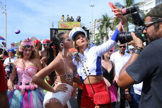 Bruna Marquezine e Ticiane Pinheiro (Foto: Daniel Pinheiro / AgNews)