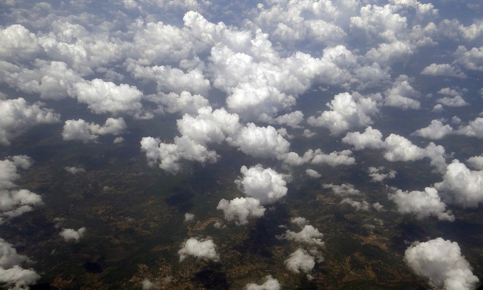 Nuvens estrato-cúmulos ajudam a regular a temperatura do planeta.  (Foto: Creative Commons / sarangib)