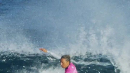 Sally Fitzgibbons supera Tyler Wright na final e leva etapa de Margaret River