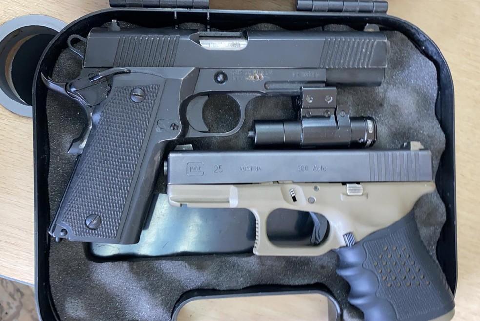Armas apreendidas pela polícia durante operação em Piracicaba — Foto: Divulgação/ Polícia Civil