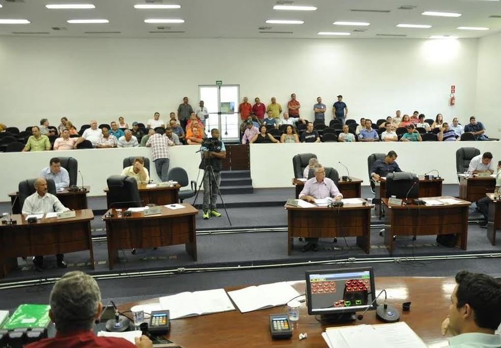 Justiça manda Câmara de Santa Bárbara exonerar 66,6% dos comissionados; presidente recorrerá (Foto: Fernando Campos/Câmara de Santa Bárbara)