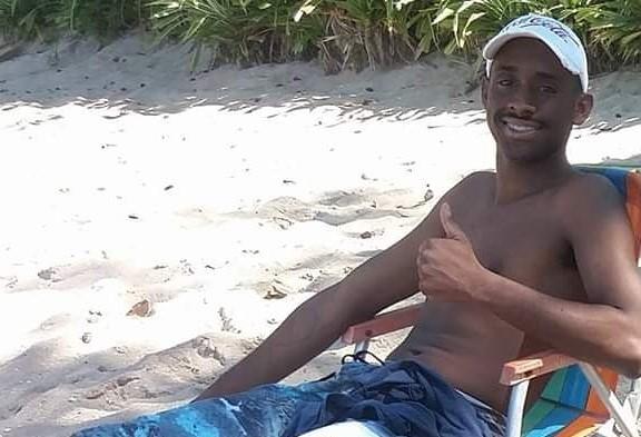 Corpo de homem desaparecido há três dias é encontrado com sinais de afogamento em praia de SP - Notícias - Plantão Diário