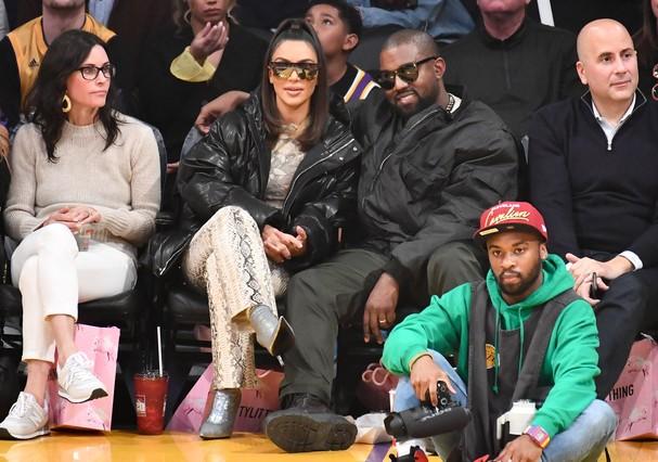 Courteney Cox, Kim Kardashian e Kanye West (Foto: Getty Images)