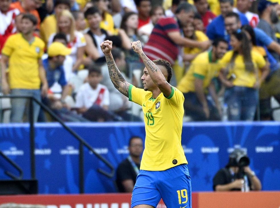 Everton tornou-se o principal jogador do Grêmio e chegou à Seleção — Foto: Marcos Ribolli