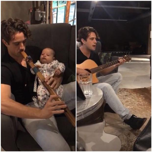Rafael Cardoso tocando flauta e violão para o filho, Valentim (Foto: Reprodução/Instagram)