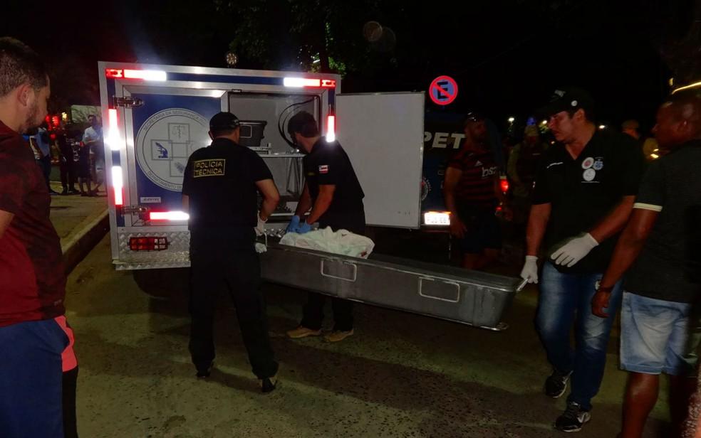 Corpo da vítima foi encaminhado para o DPT de Barreiras  — Foto: Blog do Sigi Vilares