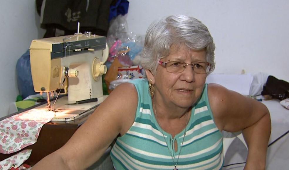 A costureira Maria Rita Alves Lemes, de Ribeirão Preto (Foto: Reprodução/EPTV)
