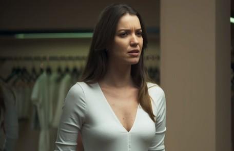 Na quarta (31), Fabiana resolverá comprar o apartamento de Maria da Paz (Juliana Paes) TV Globo