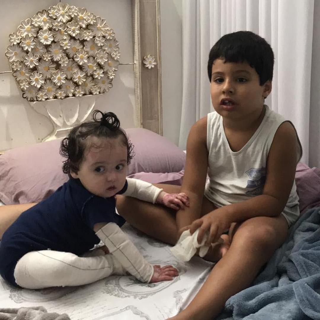 Maria Júlia e o irmão mais velho Pedro (Foto: Reprodução Instagram)