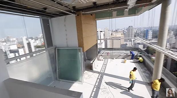 270f9cb121226 Sabrina Sato visita reforma em apartamento (Foto  Reprodução  Youtube)