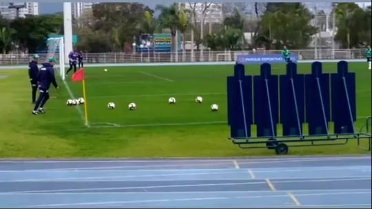 De voleio, Deyverson marca golaço em treino de finalização do Palmeiras; veja o vídeo