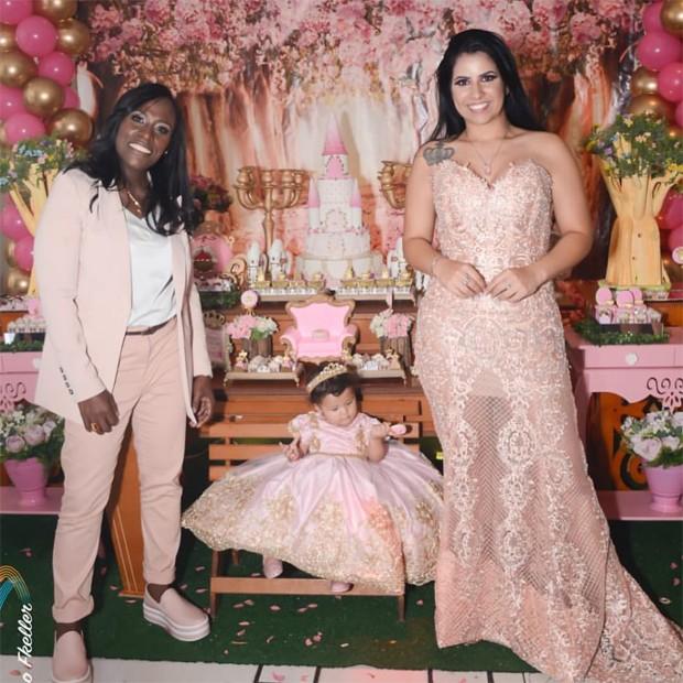Neném e Thaís Oliveira celebram primeiro aniversário de Valentina  (Foto: Reprodução/Instagram)