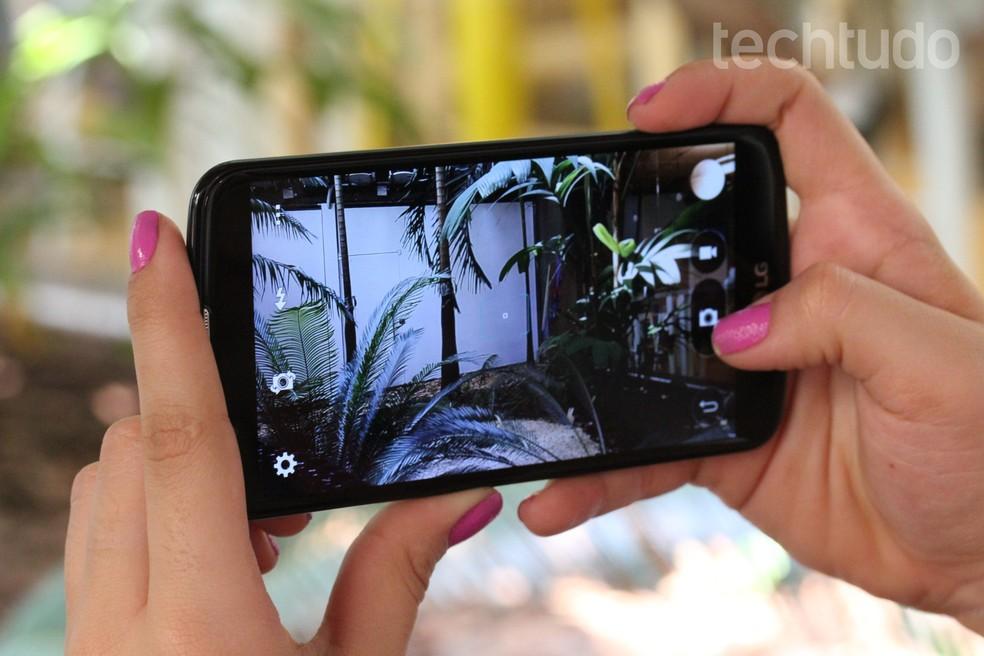 Câmera é de 13 megapixels, mas não grava em 4K (Foto: Ana Marques/TechTudo)