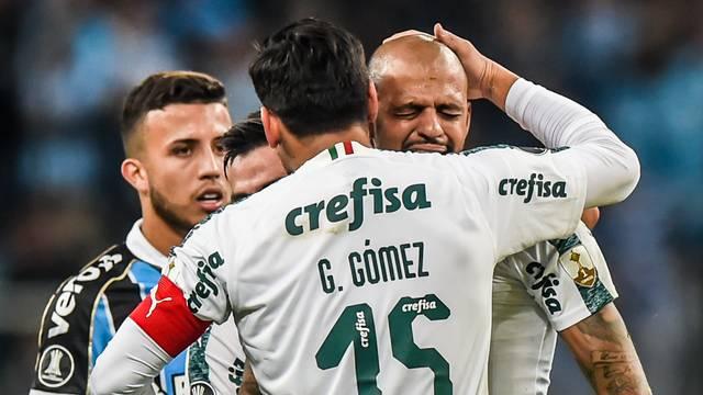 Felipe Melo chora ao ser expulso contra o Grêmio