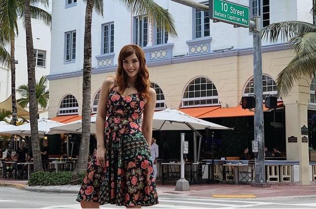 Titi Müller foi a Miami para gravar uma participação no 'Vai que cola', do Multishow (Foto: Escajedo)