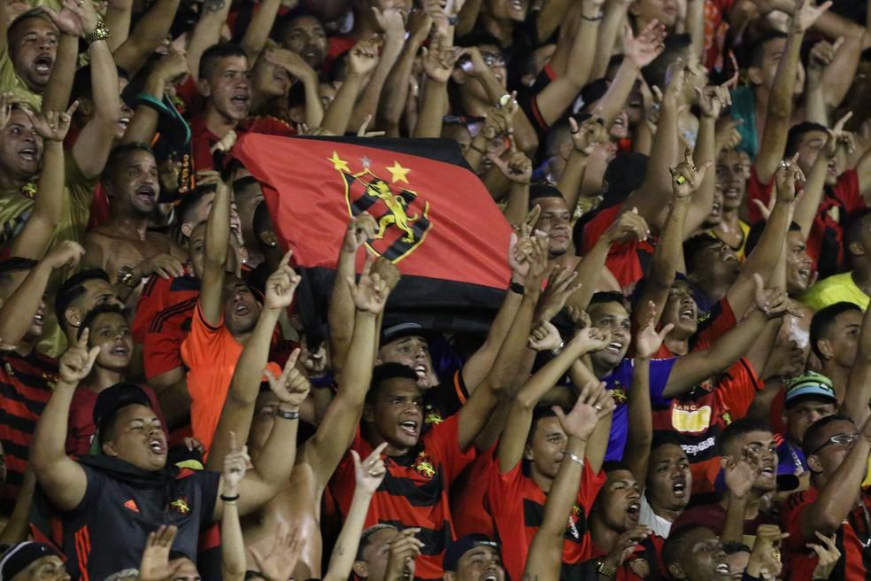Torcida Sport é a maior do Nordeste quando se pergunta o primeiro time dos torcedores (Foto: Marlon Costa / Pernambuco Press)