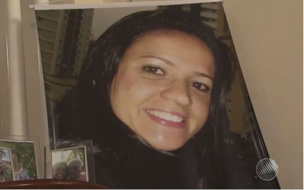 Bióloga Viviane Magalhães Andrade morreu em acidente envolvendo o ex-jogador Liedson (Foto: Reprodução/TV Bahia)