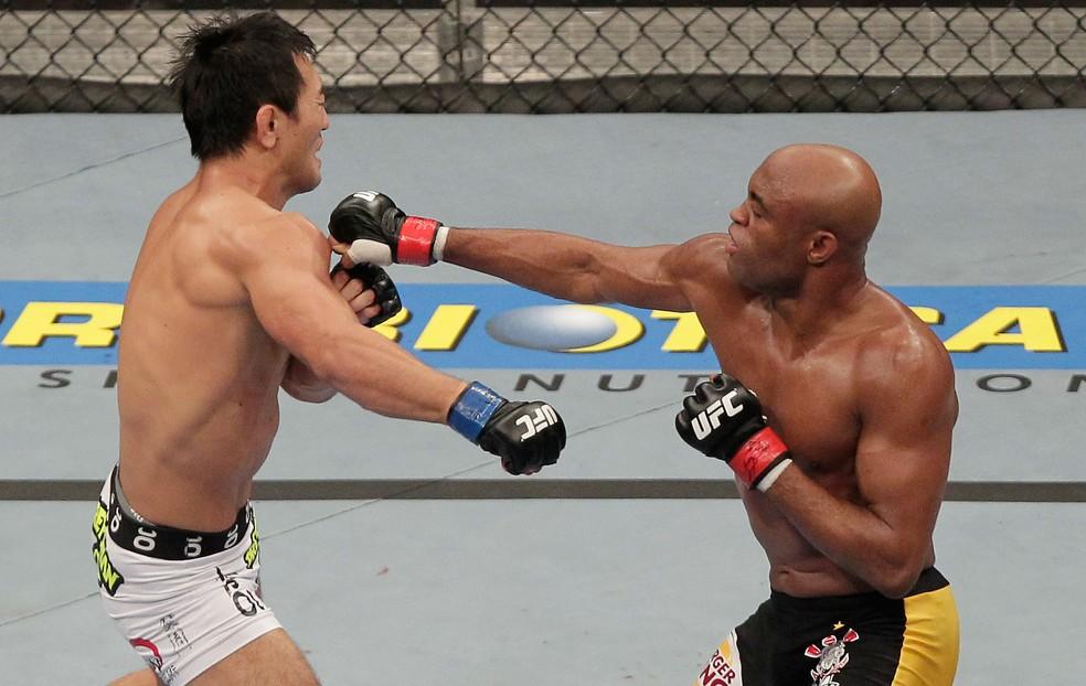 Anderson Silva devolveu a derrota que tinha para Okami na carreira — Foto: Getty Images