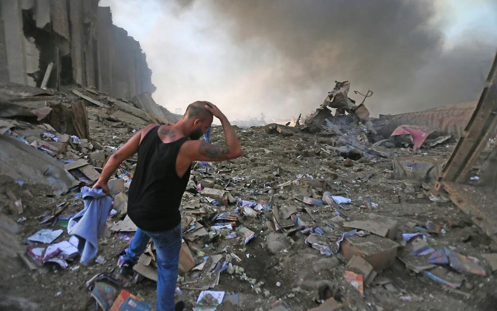 Imagem mostra destruição causada pela explosão em Beirute — Foto: STR/AFP