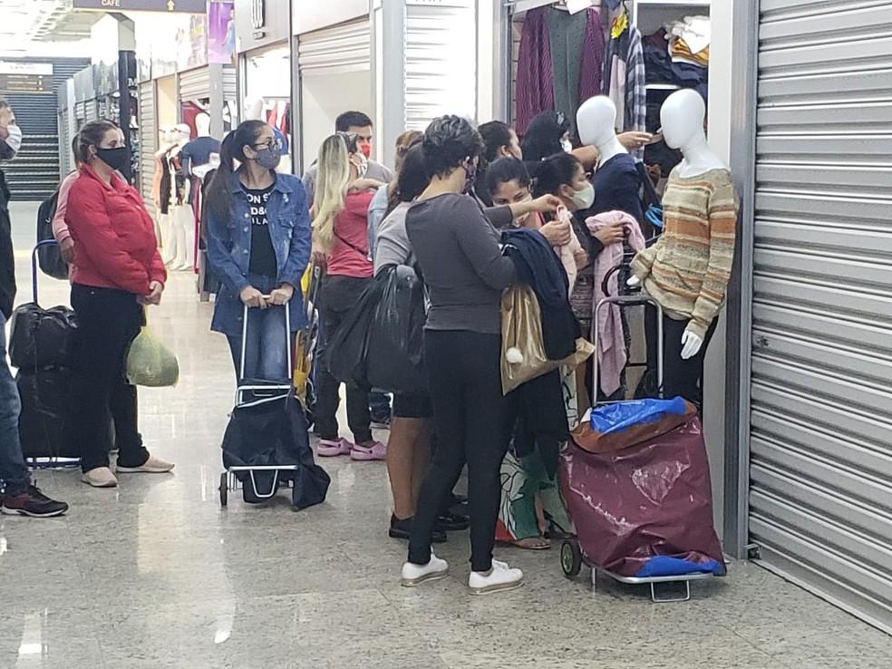 Shoppings reabrem nesta quinta na cidade de SP — Foto: Tatiana Santiago/G1