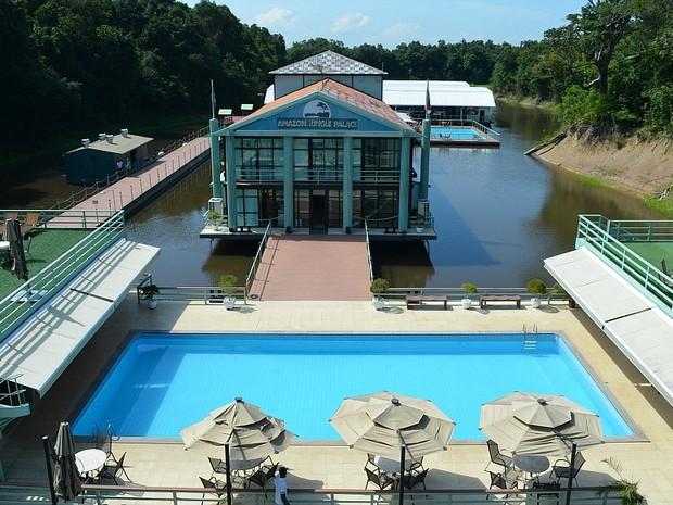 Hotel Amazon Jungle Palace fica em uma plataforma flutuante no entorno da Reserva de Desenvolvimento Sustentável do Tupé e do Parque Estadual do Rio Negro Setor Sul (Foto: Marina Souza/G1)