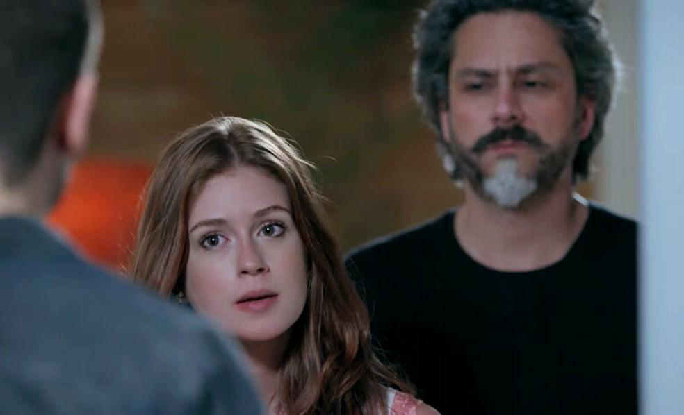 Maria Isis (Marina Ruy Barbosa) desmente João Lucas (Daniel Rocha) na frente de Alfredo (Alexandre Nero) - 'Império' — Foto: Globo