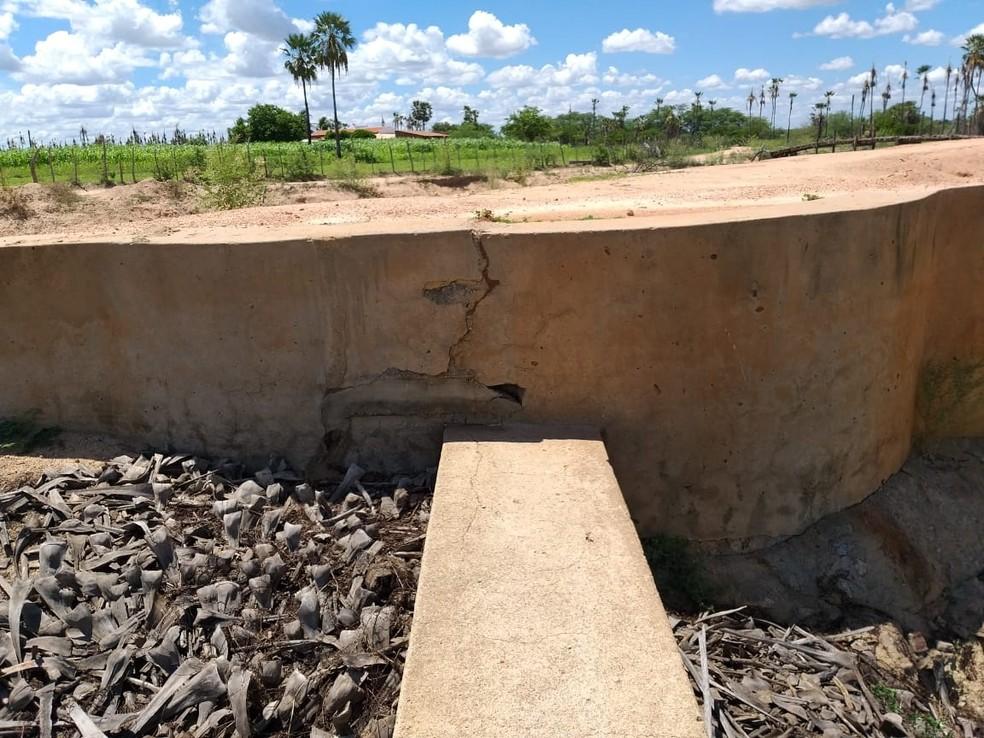 Parede da barragem nunca passou por uma manutenção em sua história recente, segundo o próprio governo do RN — Foto: Divulgação/Governo do RN