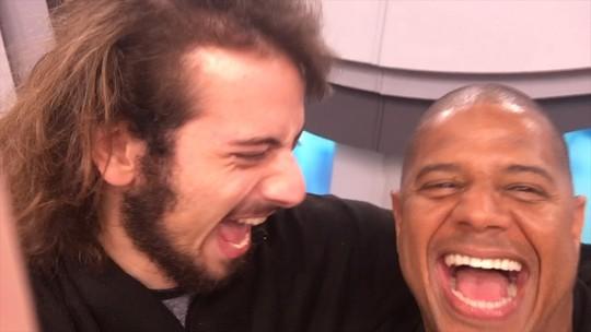 """Cartoloucos #33 - Treta! Marcelinho Carioca chama Luxa de """"moleque safado"""""""