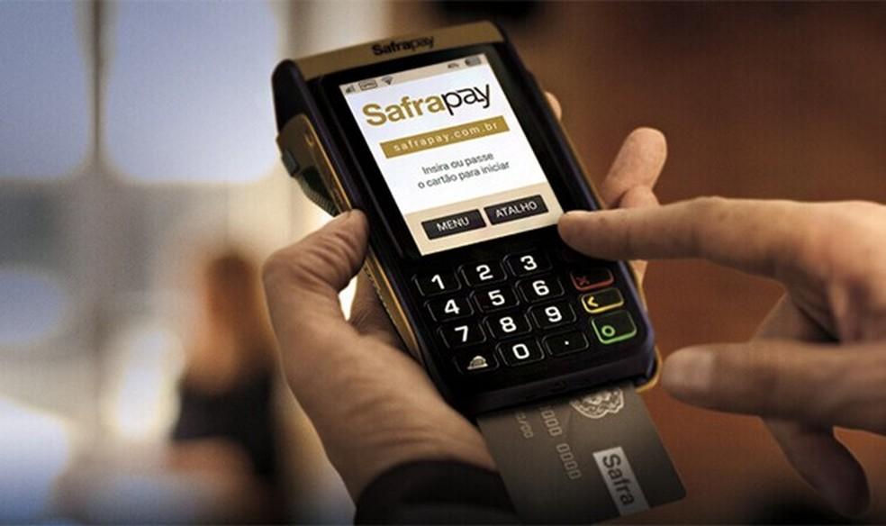 4027a9843 ... Máquina do Banco Safra não cobra mensalidade de uso e nem taxa de  aquisição — Foto
