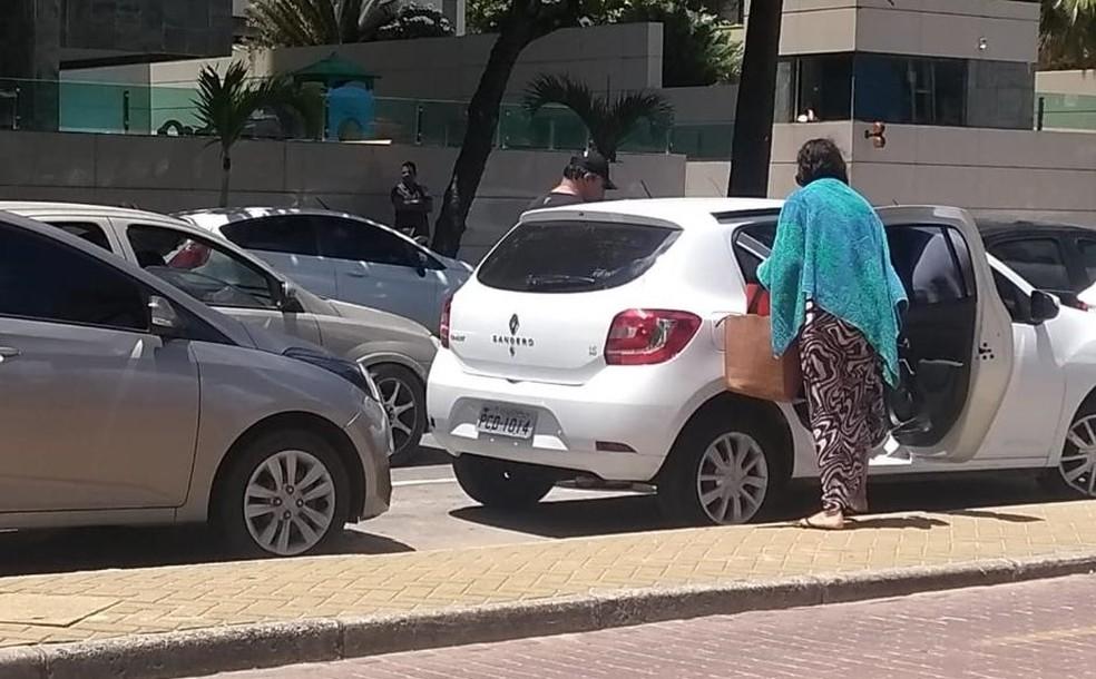 Corregedoria da SDS investiga chefe da Polícia Civil de Pernambuco após imagens de suposto carro oficial em praia serem divulgadas pelas redes sociais — Foto: Reproduçao/whatapp