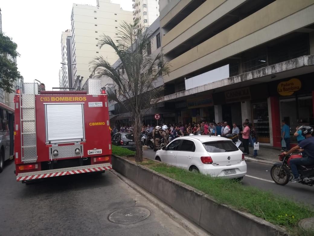 Mulher cai de prédio na Avenida Rio Branco em Juiz de Fora  - Notícias - Plantão Diário