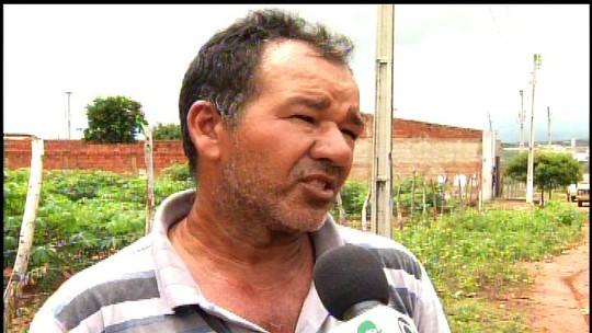 Moradores do Bairro Jardim Gonzaga reclamam da falta de infraestrutura do local