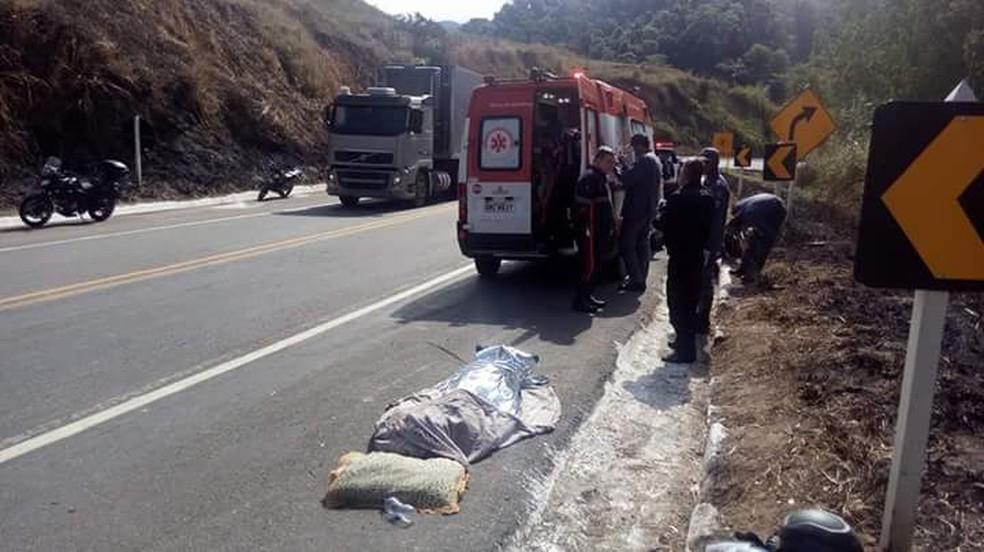 -  Motociclista foi encontrado morto na BR-116 entre Miradouro e Muriaé  Foto: Reprodução/Portal Miradouro
