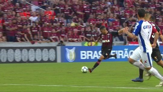 """Tiago Nunes planeja """"criar gordura"""" no Brasileiro para Atlético-PR focar na Sul-Americana"""