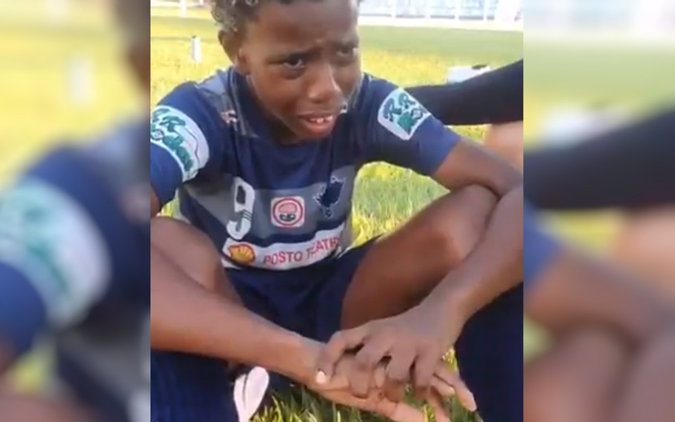 Luiz Eduardo diz em vídeo que foi vítima de racismo durante campeonato de futebol em Caldas Novas, Goiás — Foto: Reprodução/TV Anhanguera