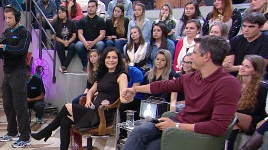 Letícia Sabatella e Marcio Garcia dão aula de civilidade no 'Altas Horas'