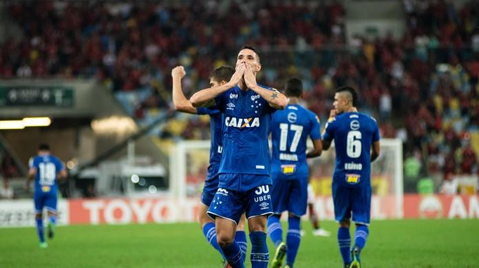Cruzeiro revela propostas do Corinthians por Thiago Neves e Sassá ... 9c413468ccc64