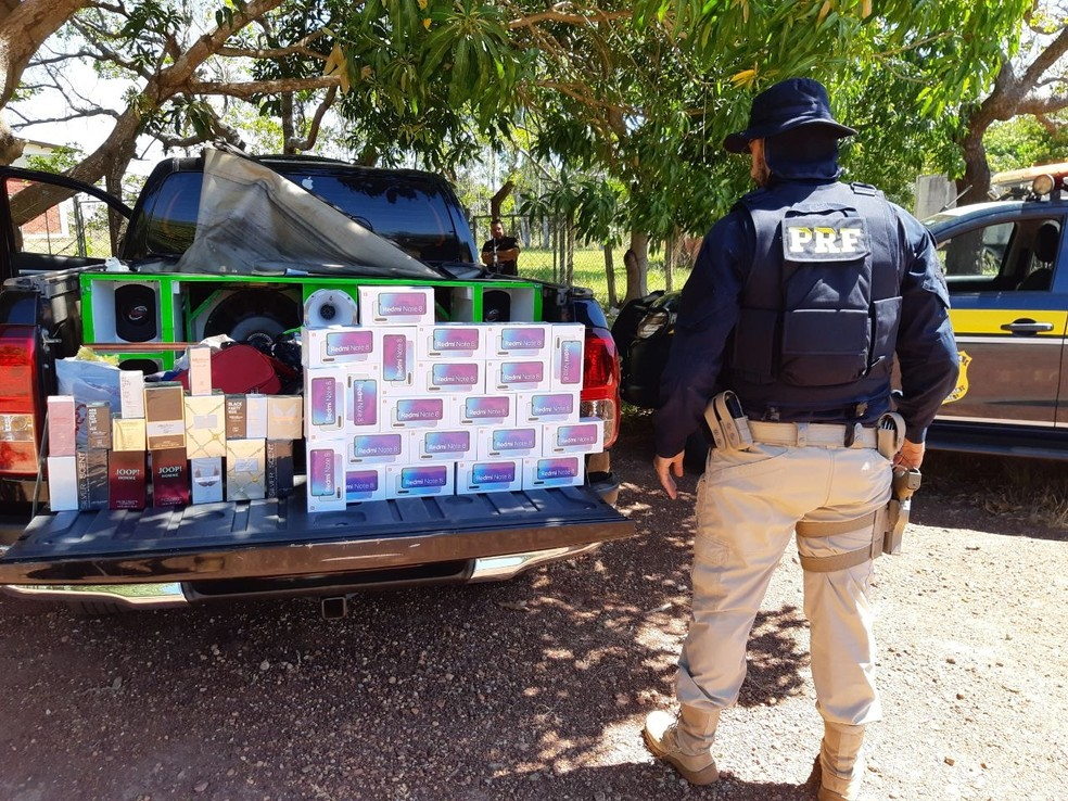 PRF apreendeu 44 produtos com o homem  — Foto: PRF/Divulgação