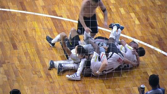 Vai, Corinthians! Alvinegro supera a equipe de Falcão e leva a inédita LNF