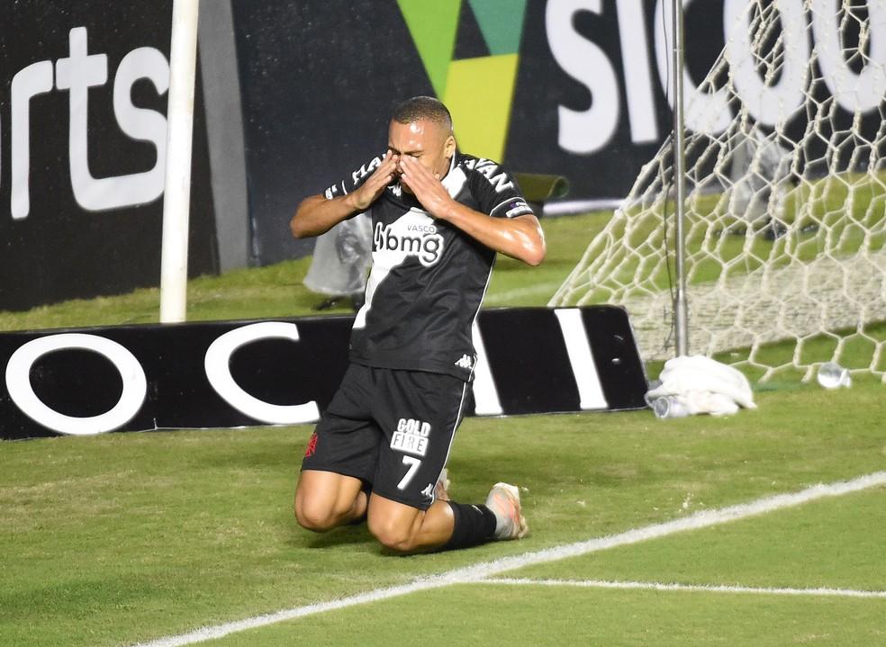 PAOK pediu retorno de Jabá, mas Vasco não abre mão do atacante para sequência da Série B — Foto: André Durão