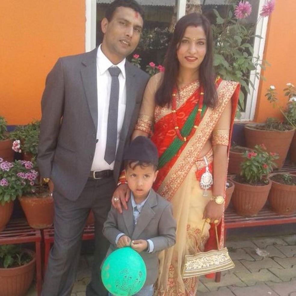 As castas, determinadas ao nascimento e transmitidas de pai para filho, definem o status social da população do Nepal e da Índia, países de forte tradição hindu (Foto: Arquivo pessoal)