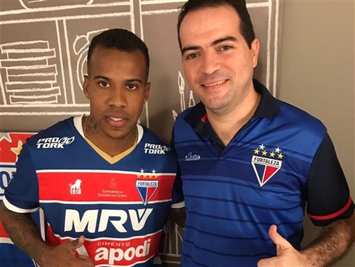 Guilherme Santos chega para reforçar a lateral esquerda do Leão ... 8a9c7f313a8e0