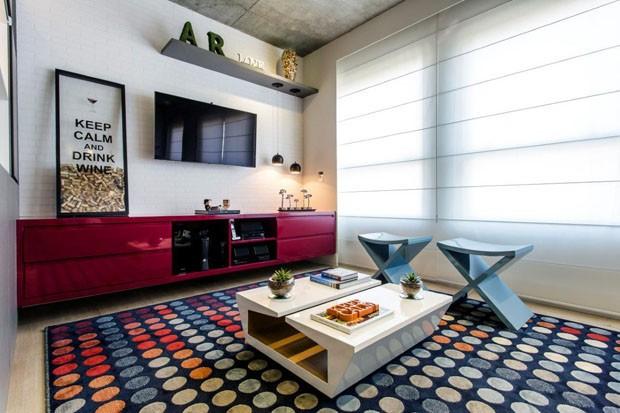 Apartamento colorido (Foto: Gustavo Awad/Divulgação)