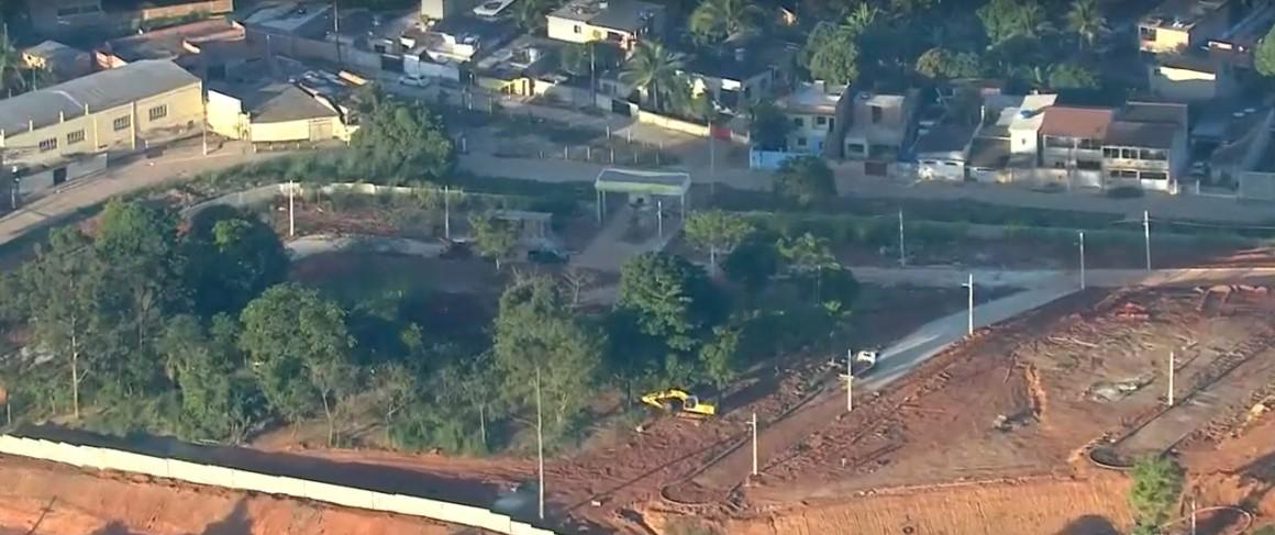 Operação identifica 4 condomínios irregulares construídos pela milícia no Parque Estadual do Mendanha, Rio