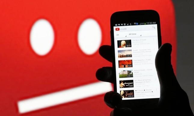 Aplicativo do Youtube em smartphone