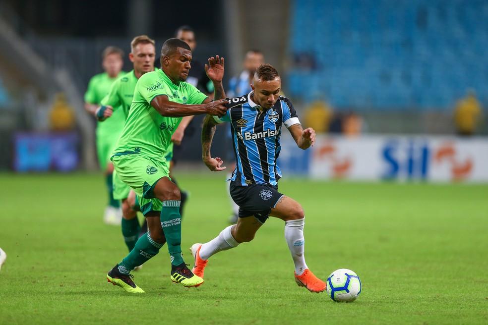 Everton deve estar à disposição do Grêmio na Copa do Brasil — Foto: Lucas Uebel/Grêmio/Divulgação