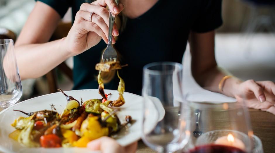 Empreendedores devem tomar cuidado com o que comem para manter a produtividade (Foto: Reprodução/Pexel)